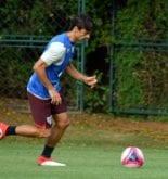 Rodrigo Caio retorna a zaga