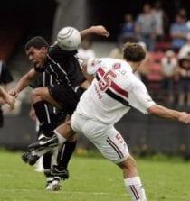 Raça uruguaia de Diego Lugano!