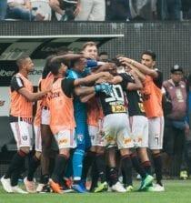 Tricolor comemora gol na Arena Corinthians