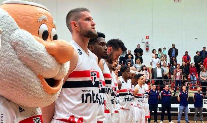 equipe de basquete do São Paulo