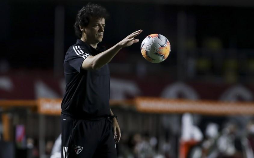 Fernando Diniz pode promover mudanças no time do São Paulo contra o River Plate