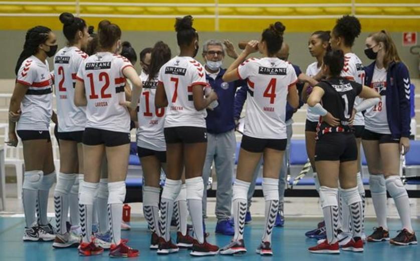 O São Paulo-Barueri perdeu para o Sesi-Bauru no Campeonato Paulista de Vôlei Feminino