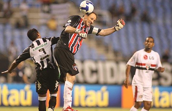Rogério Ceni contra o Botafogo em 2008