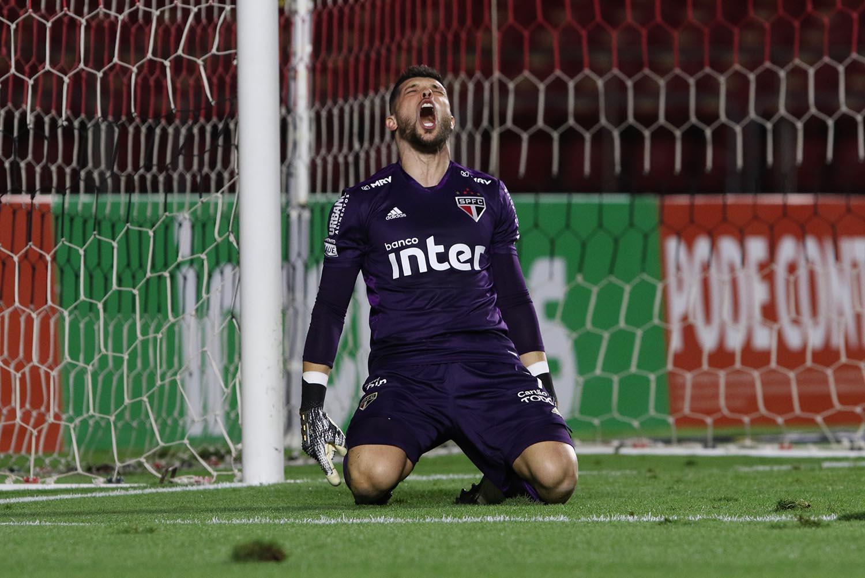 Tiago Volpi completou 100 jogos com a camisa do SPFC