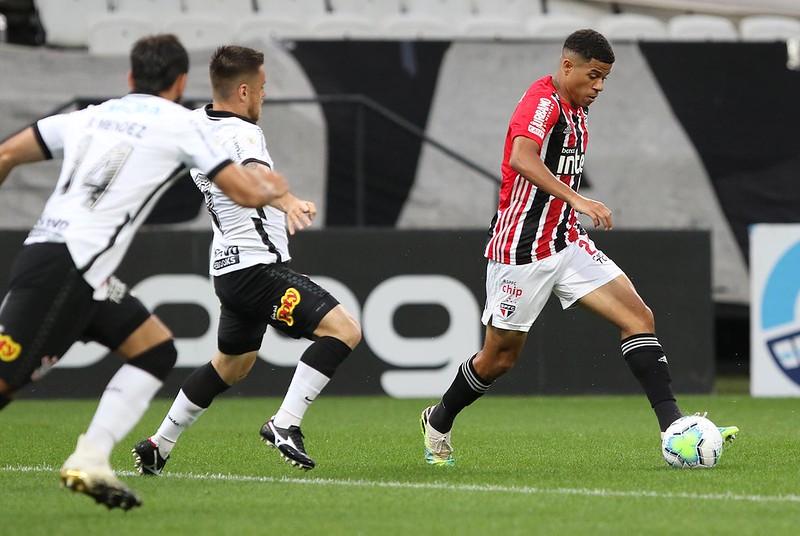 São Paulo perde para o Corinthians em Itaquera