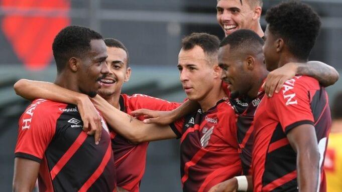 Athletico Paranaense e São Paulo se enfrentam pelo Brasileirão