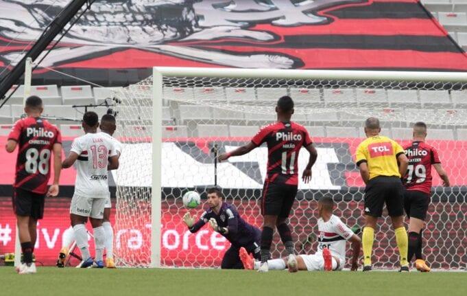 Athletico Paranaense e São Paulo ficaram no empate em 1x1 pelo Brasileirão