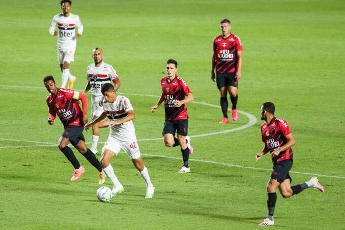 São Paulo e Athletico Paranaense se enfrentam pela 30ª rodada do Brasileirão