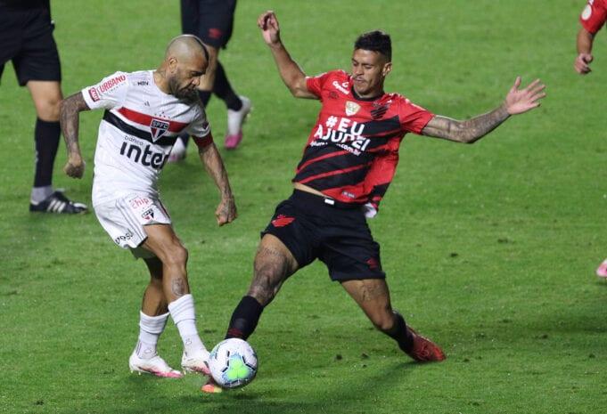 São Paulo e Athletico Paranaense se enfrentam na 30ª rodada do Brasileirão