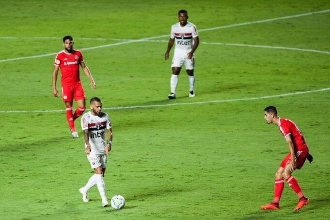 O São Paulo perdeu para o Internacional por 5x1 no Morumbi