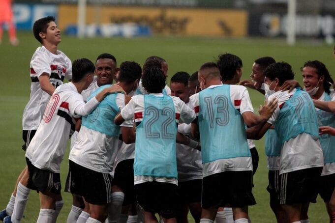 Time sub-17 do São Paulo vence o Palmeiras no Allianz Parque