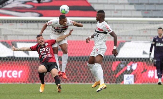 O São Paulo enfrenta o Internacional no Brasileirão na próxima rodada