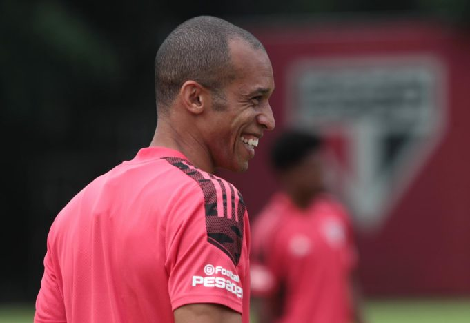 Miranda é o novo dono da camisa 5 do São Paulo