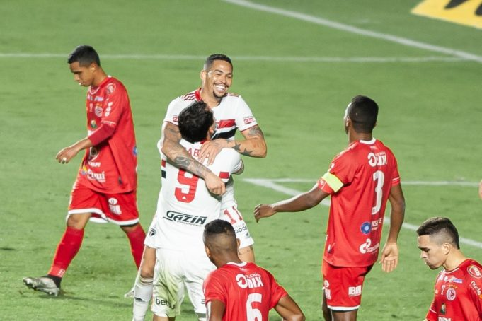 Criticado na Libertadores, Pablo briga pela artilharia da Copa do Brasil