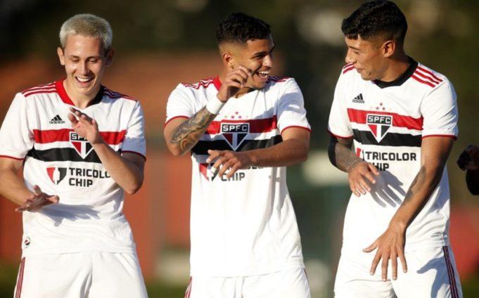 São Paulo goleia o Bahia em Cotia pelo Brasileirão Sub-20