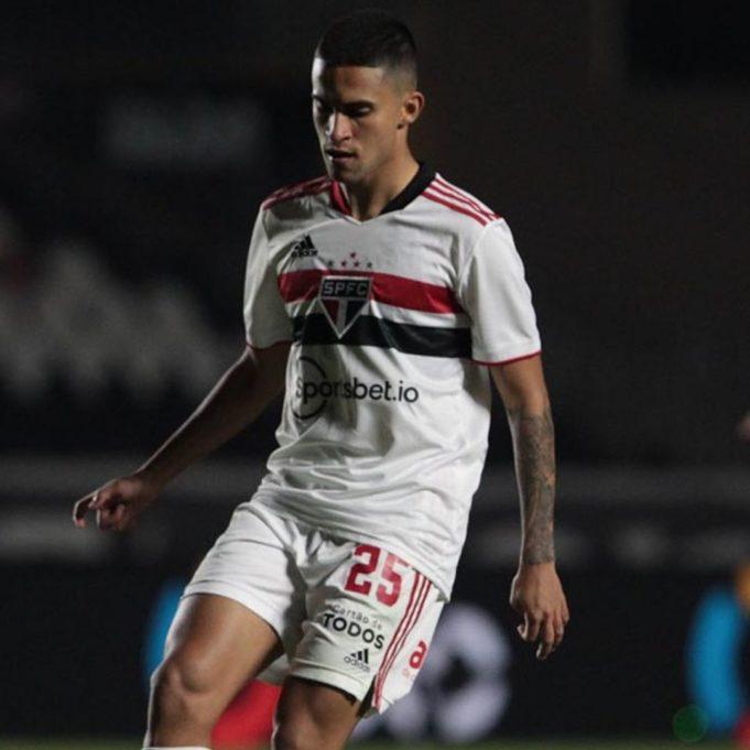 Nestor se mostra feliz com evolução no Tricolor e revela ponto a melhorar