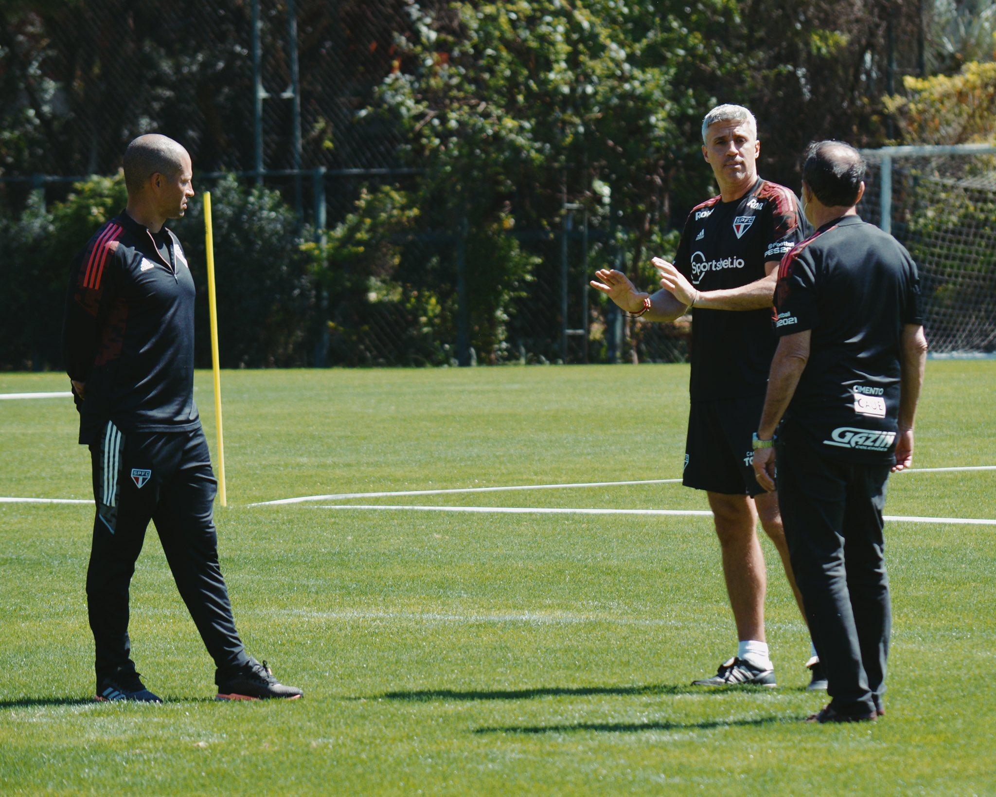 """""""Alex vai ser o técnico do São Paulo, não tenho dúvida disso"""", afirma diretor do clube"""