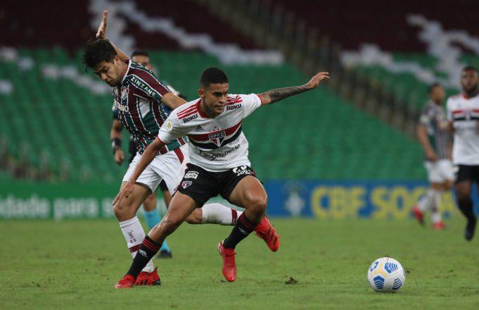 Com problemas defensivos, São Paulo volta para perto do Z4